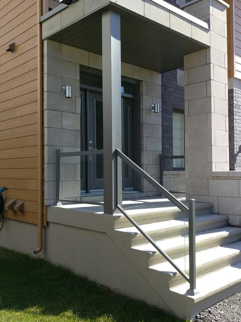 vos rampes d 39 escaliers ext rieurs en aluminium barbe aluminium. Black Bedroom Furniture Sets. Home Design Ideas